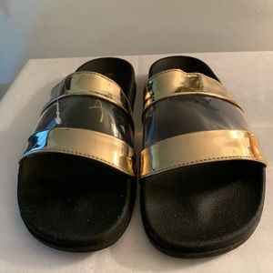 NWOT Mossimo Sandals